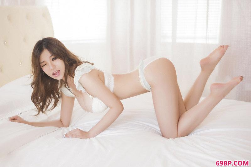 深沟靓女刘娅希内裤私密照_国模季�h粉红150