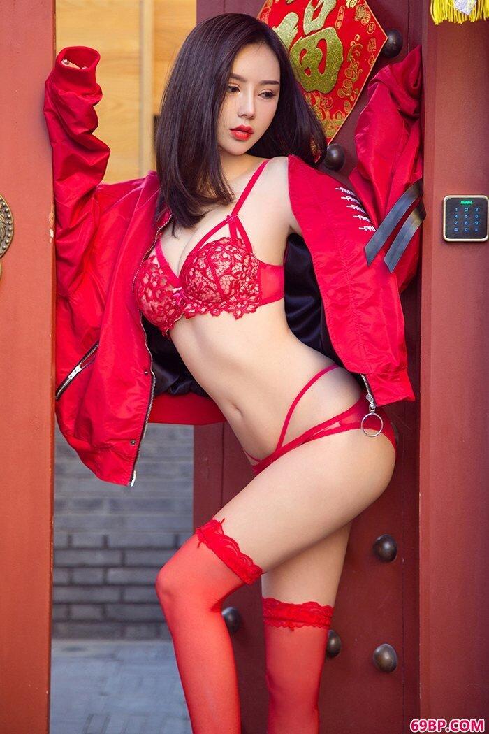 轻淑女神曲线爆满丰乳肥臀贺新春_国模季�h之孕前魅惑150p