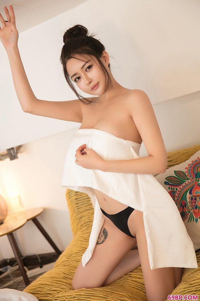 精品大学生廿十性感内裤秀蜜乳肥臀_欧美艺术人体西西人体艺术图片