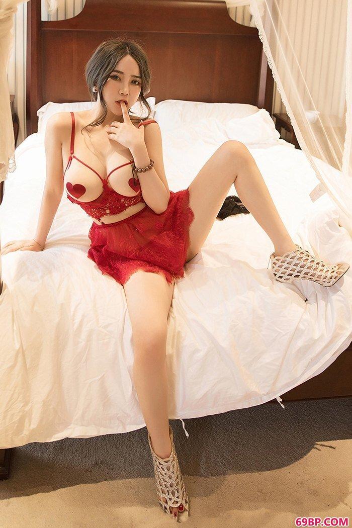 酒红侍女温心怡情趣泳装令人疯狂_337P欧洲大胆艺术