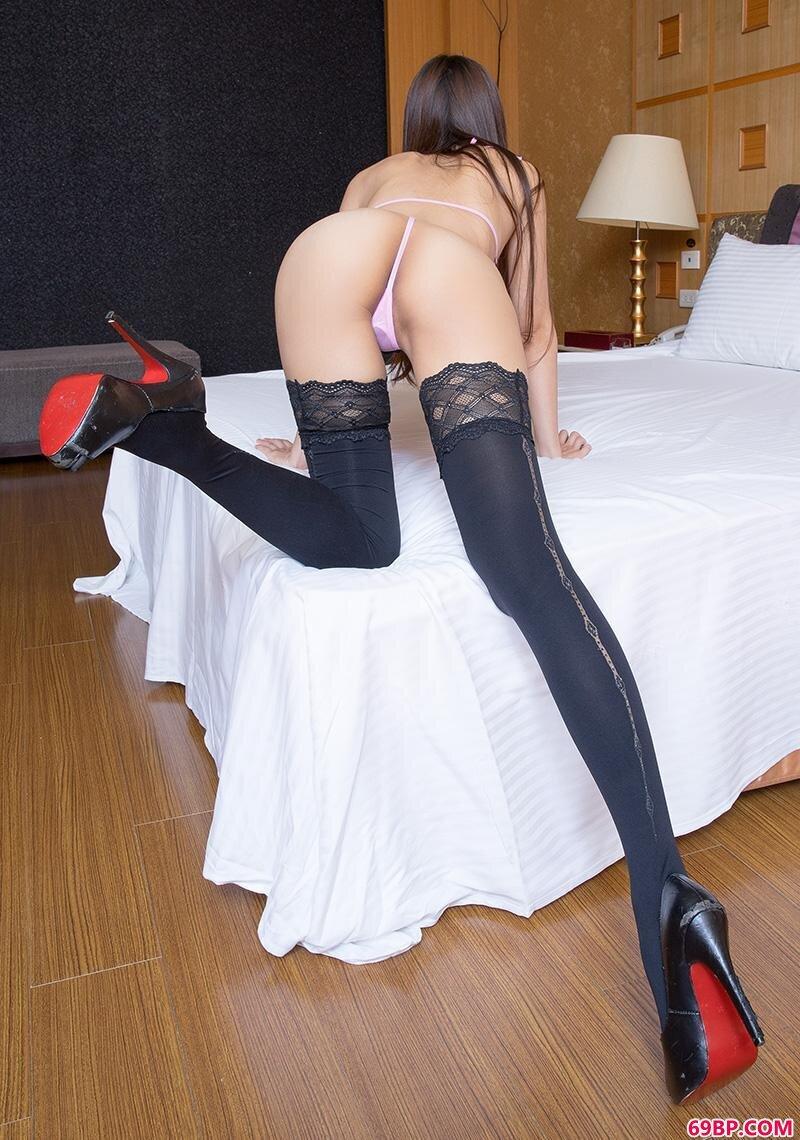 美腿名模第679期热辣黑丝妹子Winnie_G0G0大胆艺术美女