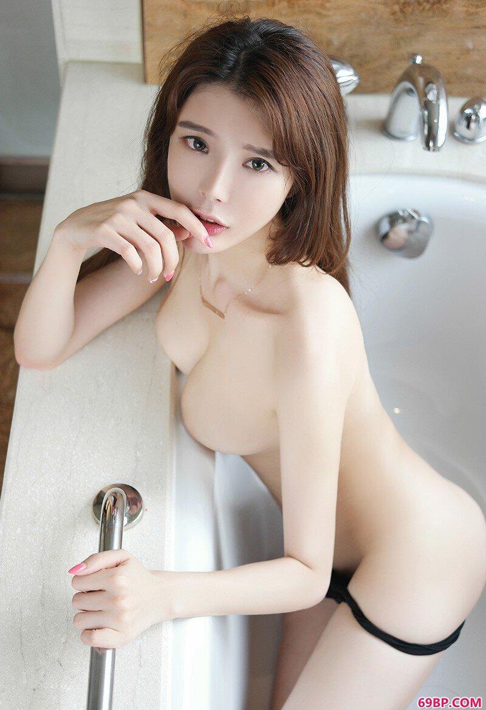 清纯又性感的妹子夏小秋秋秋几乎一丝不挂了_毛茸茸日本浓毛