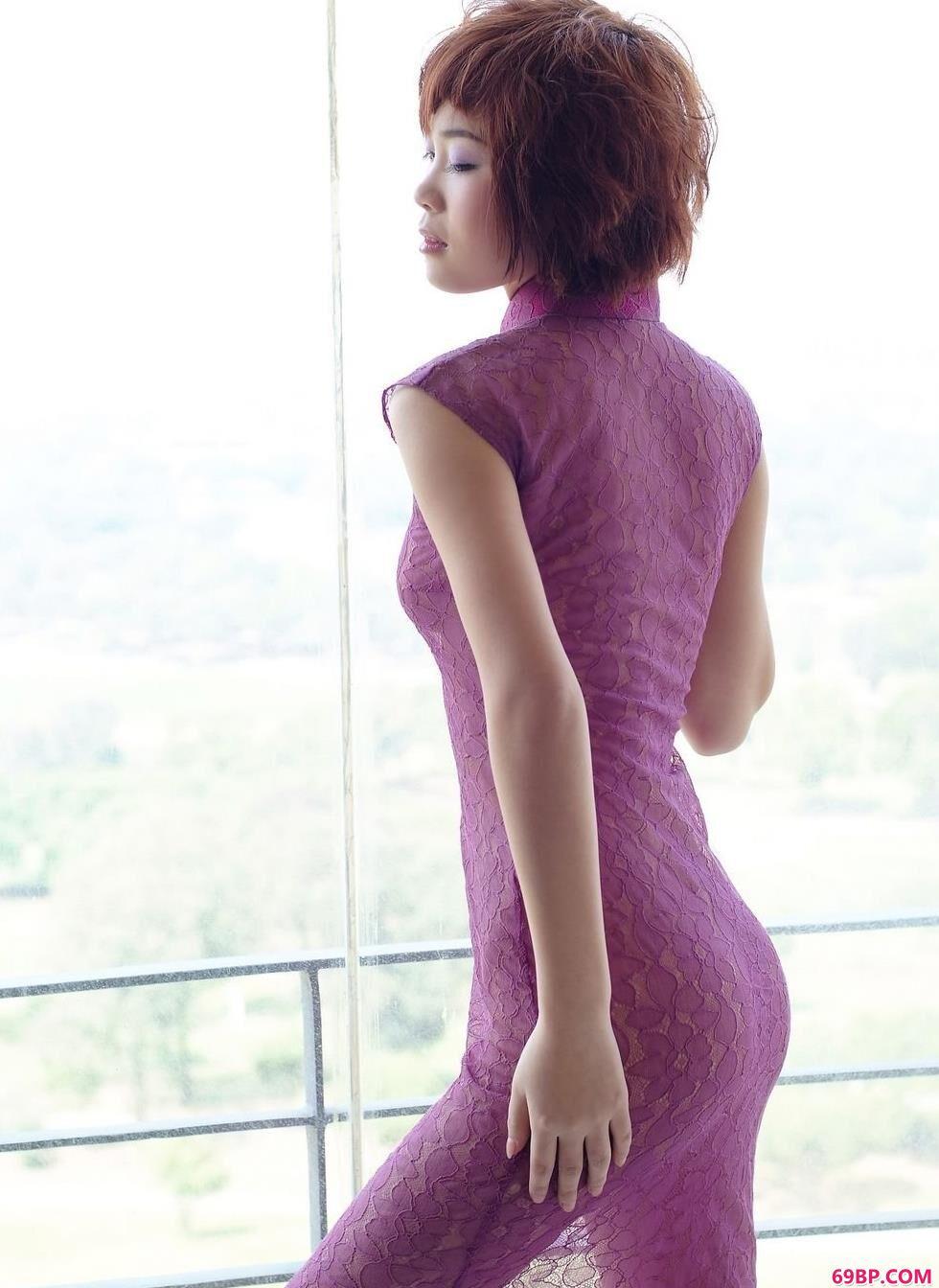 名模凌零房间内的魅惑人体_西西西体艺术人体摄影