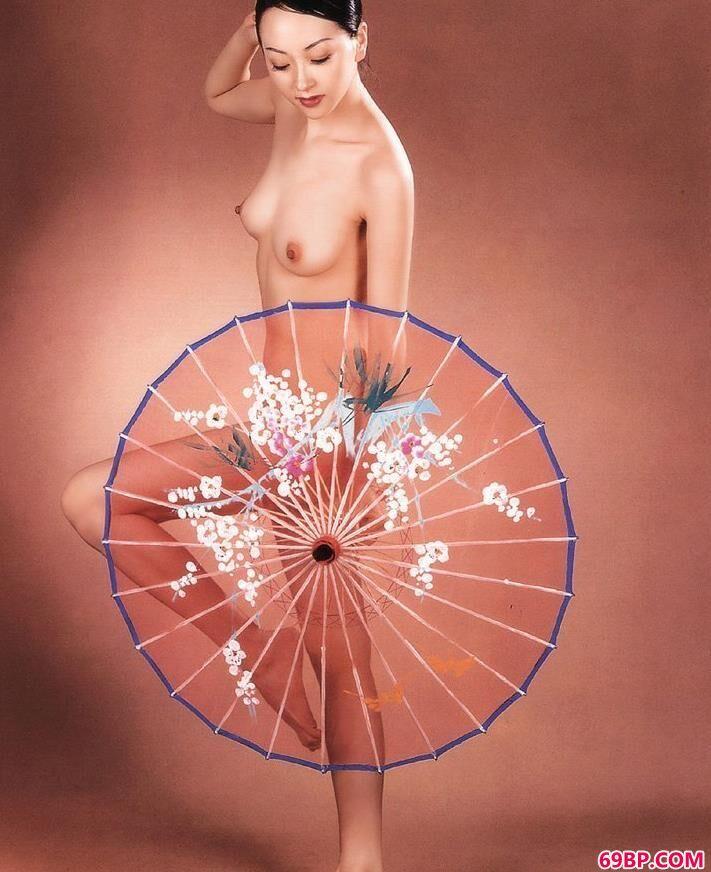 gogo高清女人体图片,天津出版社出品室拍的性感人体2