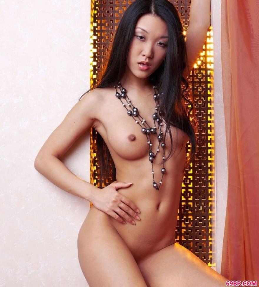 知名的亚裔人体美模MARIKO3_中国人www69xX