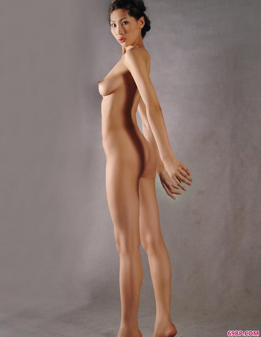 室内人体裸模薇薇骨感的美2_西西人体艺术图片