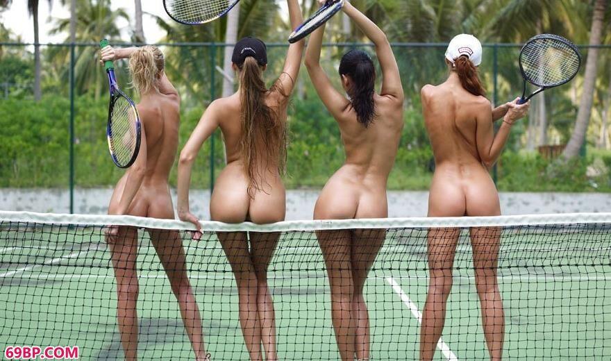 小东西你下面好湿好紧_嫩模Juliet跟网球队的队友球场上拍人体