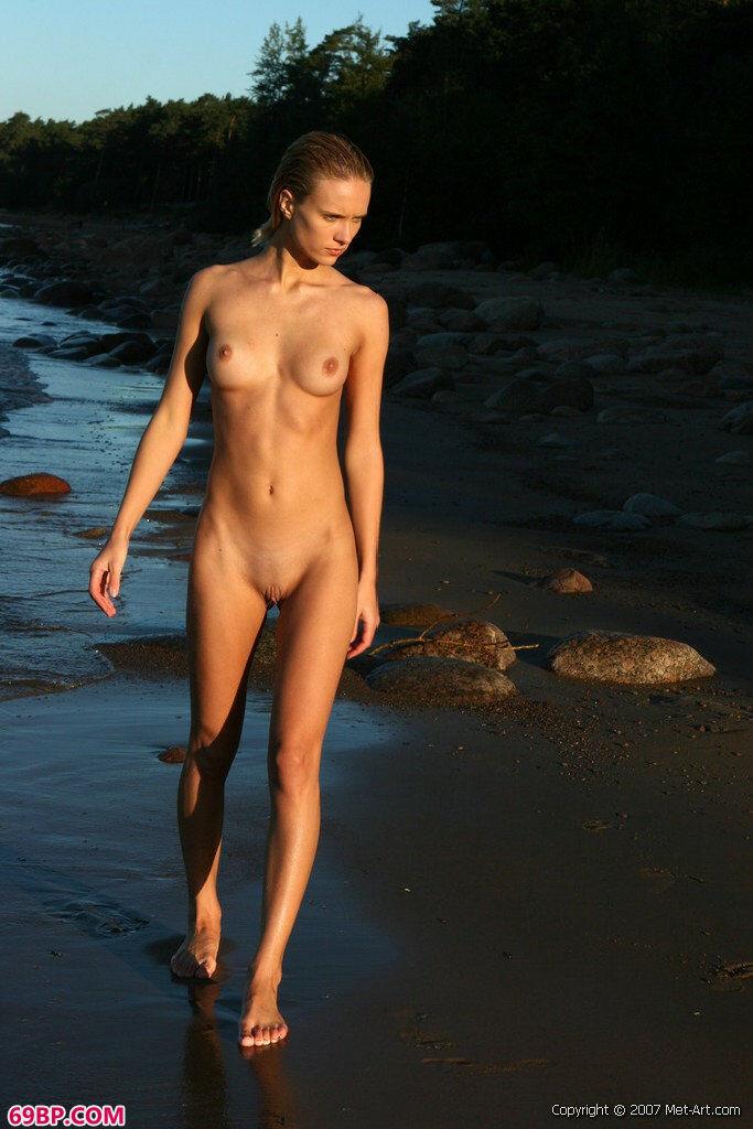 海里的美人人体摄影