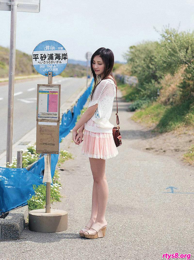 张小雨人体艺术_长头发美人�L�Y香海滩外拍纯美写真