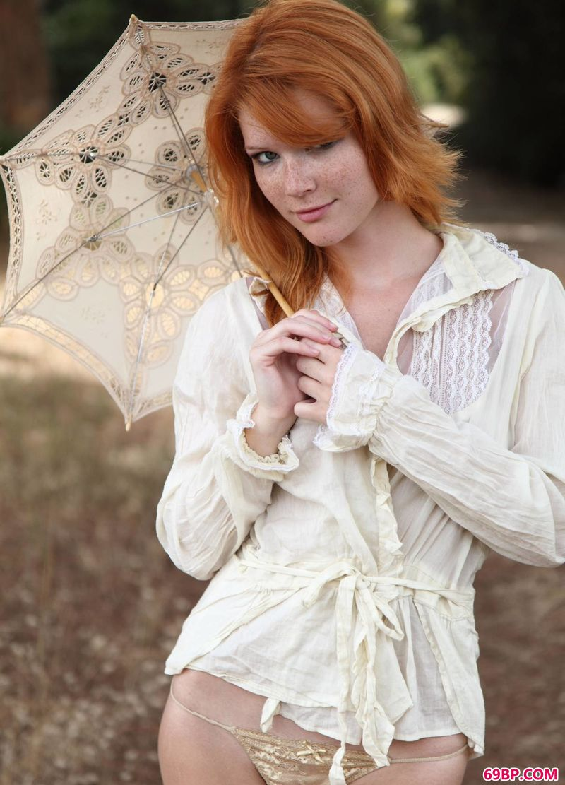 外拍红发妇人Mia
