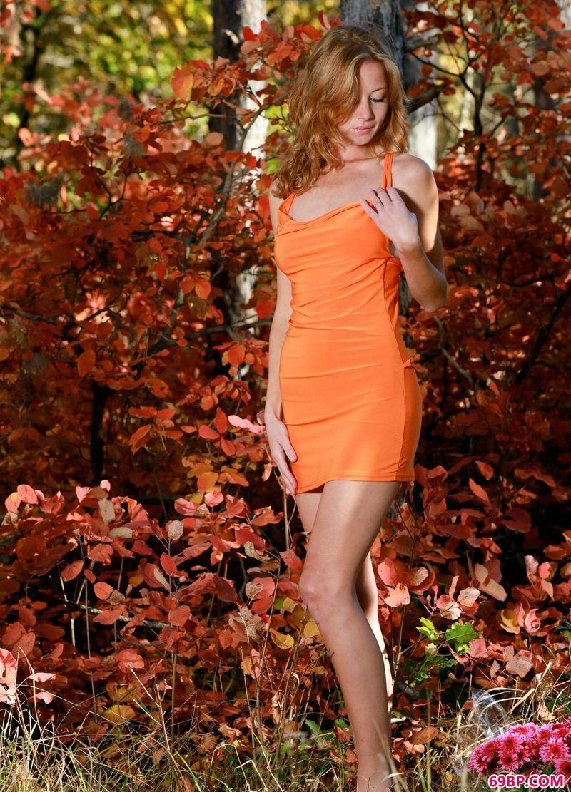 红树下的美女Diana